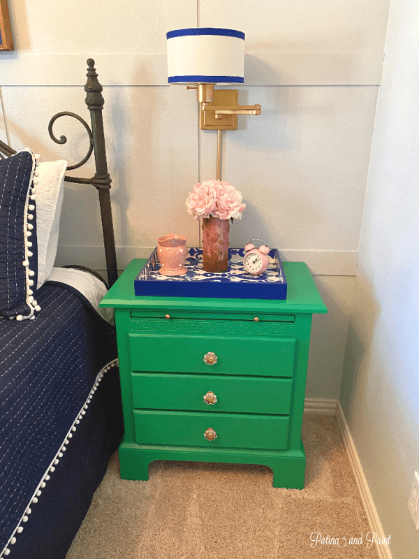 green night stand, bed