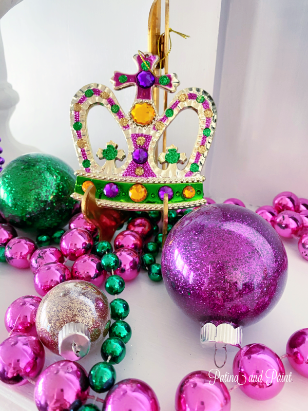 beads, mardi gras crown