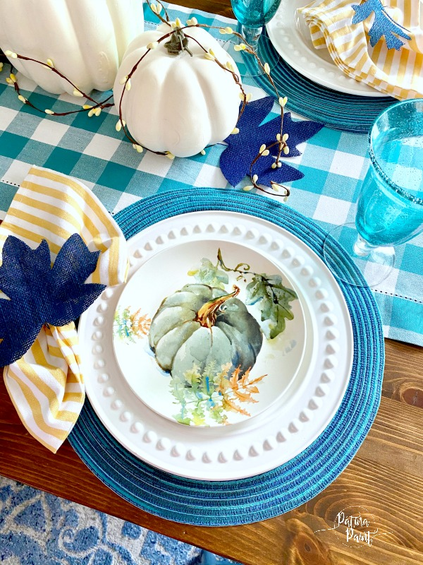 fall pumpkin placesetting