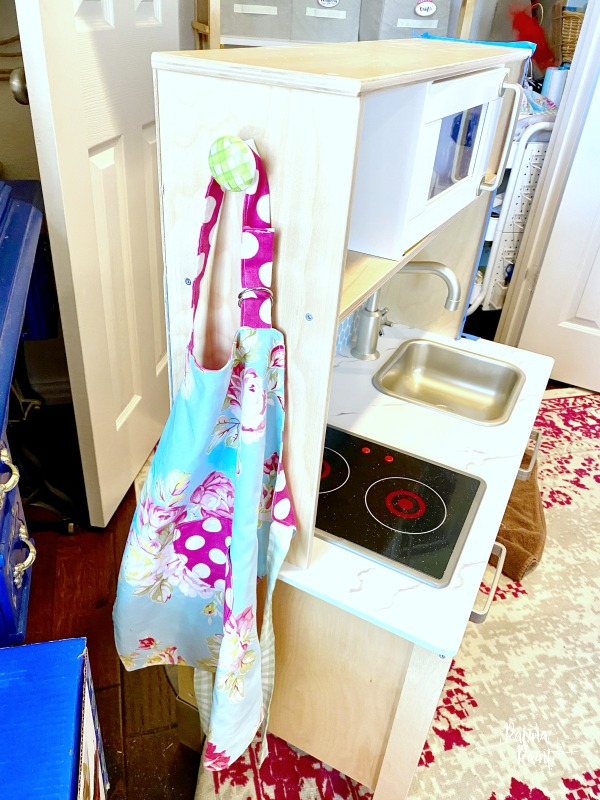 door knob apron holder