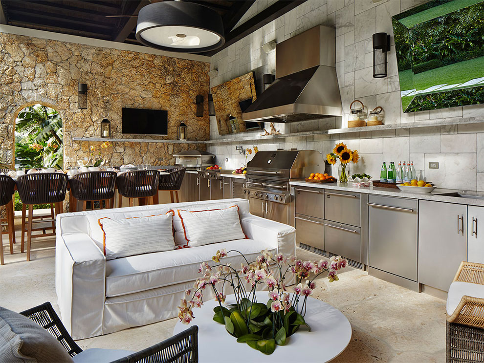 Patio & Things | Entertaining outdoors in Miami during the ... on Open Backyard Ideas id=45355