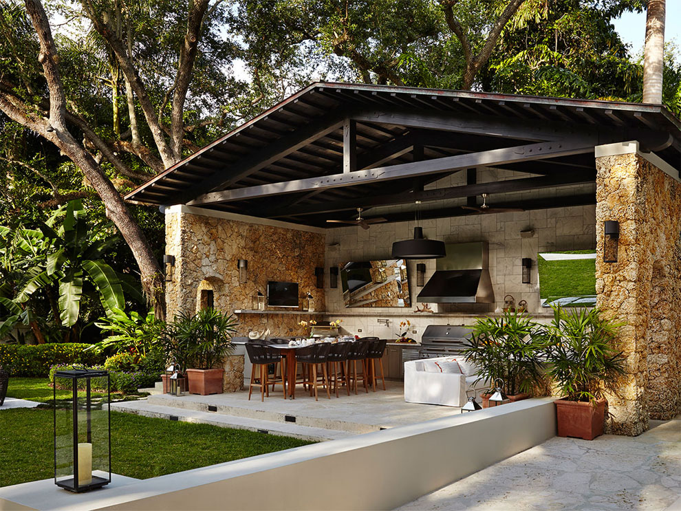 Patio & Things | Entertaining outdoors in Miami during the ... on Small Backyard Entertainment Area Ideas id=74889