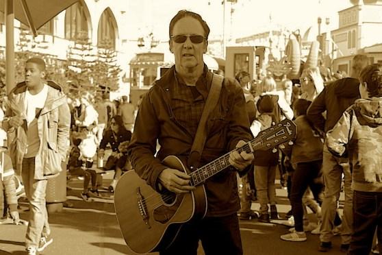 Bill Tolson singer / songwriter performing at the Dutch Club Abel Tasman 18 August 7.30