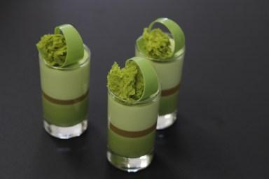 ירוק בכוסות