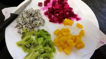 חותכים ומייבשים את הפירות