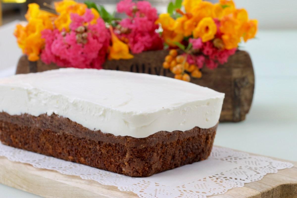 שחזור מתכון - עוגת גזר של המזנון