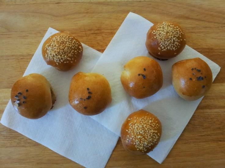 לחמניות בוכריות במילוי טונה