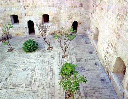 oax domingo courtyard