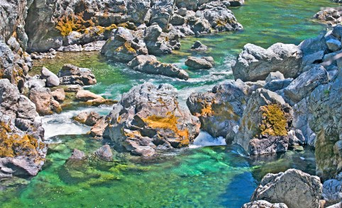 smith river big rocks tourquoise copy