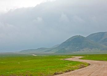carrizo plain road and hills