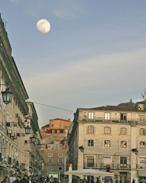 lisbon square and moon