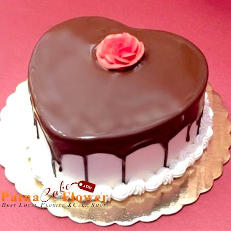 heart shaped choco vanilla cake