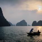 Coucher de soleil sur la Baie de Ha Long, Vietnam