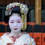 Cérémonie du thé par Maiko, Kyoto, Japon