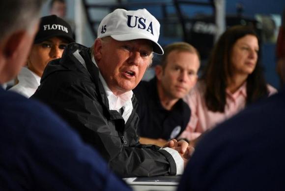 Texas (EUA) O presidente dos Estados Unidos, Donald Trump, visita a cidade de Corpus Christie, na região atingida pela chuvas provocadas pelo Harvey
