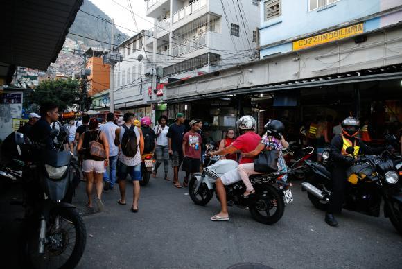 Rio de Janeiro - Comunidade da Rocinha, após confrontos entre grupos de traficantes rivais pelo controle de pontos de venda de drogas (Fernando Frazão/Agência Brasil)
