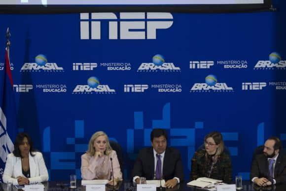 Brasília - A presidente do Inep, Maria Inês Fini e o Ministro da Educação, Mendonça Filho participam da apresentação dos dados consolidados e as orientações finais para a aplicação do Exame Nacional do Ensin