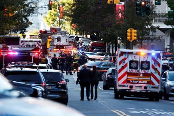 Homem invade faixa de ciclistas, atropela e mata oito pessoas em Nova York (Reuters/Direitos reservados)