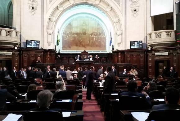 Plenário da Alerj durante a votação da LOA
