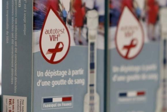 Testes de HIV à venda em farmácia na França (Arquivo/Reuters/Regis Duvignau)