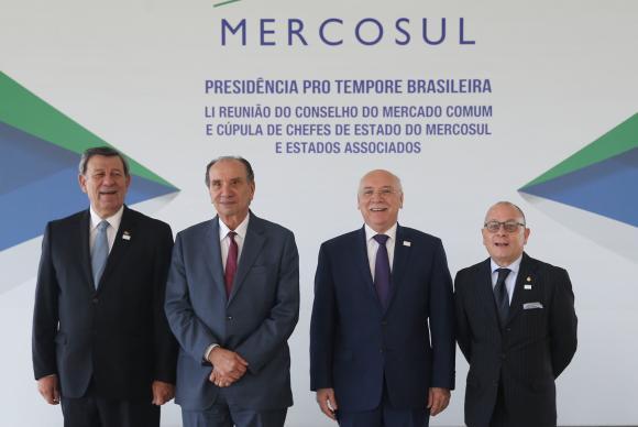 Brasília - Foto oficial da 51 Reunião do Conselho do Mercado Comum do Mercosul, no Palácio Itamaraty, com os chanceleres do Uruguai, Brasil, Paraguai e Argentina (Valter Campanato/Agência Brasil)