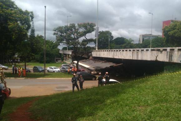 Desaba parte de viaduto de eixo rodoviário de Brasília (Marcelo Camargo/Agência Brasil)
