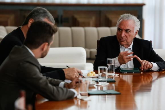 Brasília - O presidente Michel Temer se reúne com ministros no Palácio da Alvorada para discutir medidas relativas à situação de venezuelanos em Roraima (Marcos Corrêa/PR)