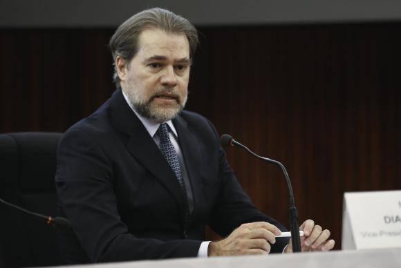 Ministro Toffoli solicita parecer da PGR sobre habeas corpus para Maluf