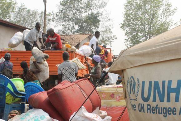 Refugiados da região de Kassai, na República Democrática do Congo, chegam a Lóvua, no norte de Angola