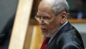 Brasília - O advogado do ex-presidente Luiz Inácio Lula da Silva, Sepúlveda Pertence, durante sessão no STJ para julgar o pedido de Lula para evitar prisão após condenação segunda instância (José Cruz/Agência Brasil)