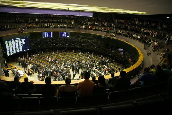 Brasília - Plenário da Câmara dos Deputados aprova Medida Provisória 786/17, que cria fundo para projetos de infraestrutura (Wilson Dias/Agência Brasil)