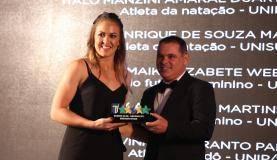Brasília - Diany Martins, autora do gol da vitória da seleção brasileira sobre o Japão na final do futebol feminino da Universíade de Taipei, foi homenageada pela CBDU durante a premiação Melhores do Ano 2017 (V