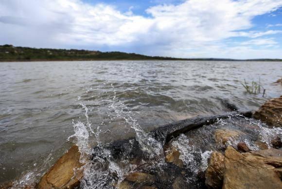 Brasília - Há um ano moradores do Distrito Federal convivem com racionamento de água. Hoje (16), a Barragem do Descoberto, o maior reservatório, chegou a 38,7% do volume útil (Marcelo Camargo/Agência Brasil)