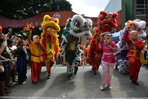 Dança do Dragão na Festa do Ano Novo chinês 2018, na Liberdade
