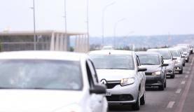 Brasília - Motoristas de aplicativos de todo o Brasil fazem buzinaço em frente ao Congresso Nacional em protesto contra projeto de lei que regulamenta aplicativos de transporte privado, como Uber e Cabify (Marcelo Cam