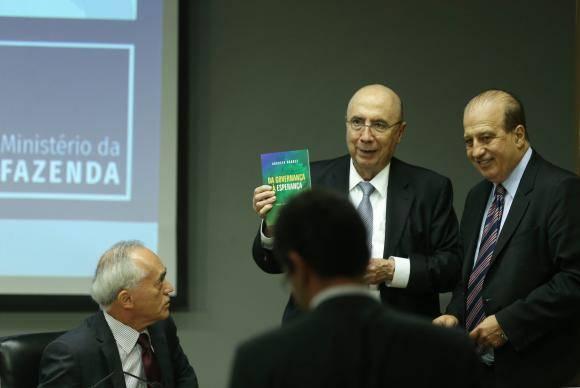 Brasília - O ministro da Fazenda, Henrique Meirelles, e o ministro do TCU Augusto Nardes, durante divulgação do Relatório de Gestão 2017 (Valter Campanato/Agência Brasil)