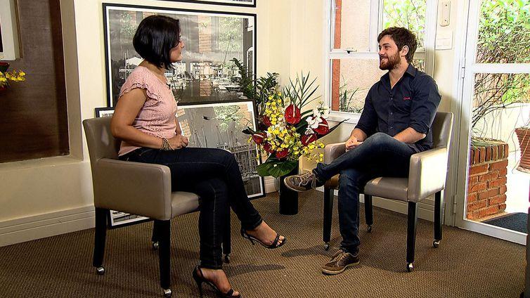 O programa Conversa com Roseann Kennedy da TV Brasil, entrevista o ator, Leonardo Miggiorin
