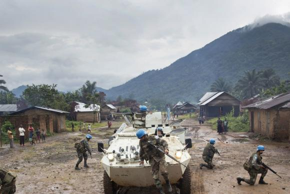 Boinas-azuis da Missão de Paz das Nações Unidas em ação na República Democrática do Congo