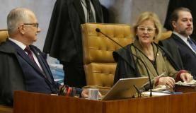 Brasília - Ministra do STF Rosa Weber durante sessão para julgar o habeas corpus no qual a defesa do ex-presidente Lula tenta impedir eventual prisão após o fim dos recursos na segunda instância da Justiça Federal