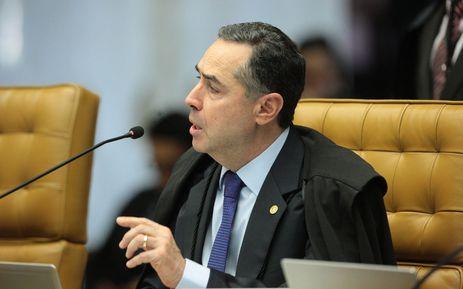 O ministro Supremo Tribunal Federal (STF) Roberto Barroso durante sessão de julgamento da restrição ao foro privilegiado.