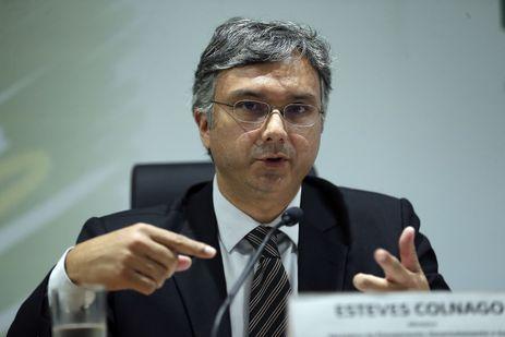 O ministro do Planejamento, Desenvolvimento e Gestão, Esteves Colnago, durante entrevista coletiva, no ministério.