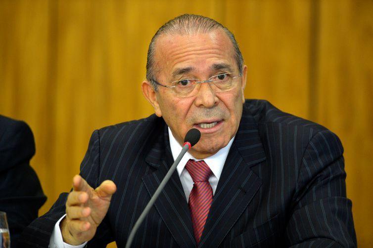 Brasília - O ministro da Casa Civil, Eliseu Padilha, anuncia medidas para reduzir gastos públicos (José Cruz/Agência Brasil)