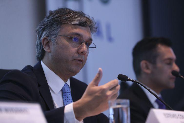 O ministro do Planejamento, Desenvolvimento e Gestão, Esteves Colnago, lança o Sistema Agatha, uma ferramenta desenvolvida para documentar eventuais riscos nos processos internos da administração pública