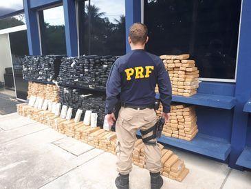 PRF apreende cerca de 1 tonelada de maconha na Via Dutra