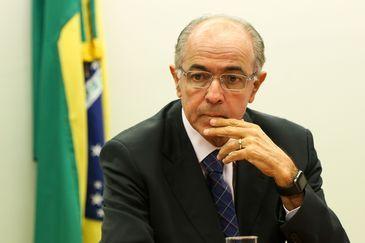 Brasília - O relator da Comissão Especial da Petrobras e Exploração do Pré-Sal, deputado José Carlos Aleluia, durante sessão para votação do parecer do relator pela aprovação do projeto original do PL 4567/16, que retira a obrigatoriedade de