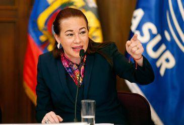 Quito – A ministra das Relações Exteriores do Equador, María Fernanda Espinosa, durante coletiva de imprensa em que confirmou que seu país concedeu, em dezembro, a naturalização equatoriana ao fundador do WikiLeaks, Julian Assange. Ele está