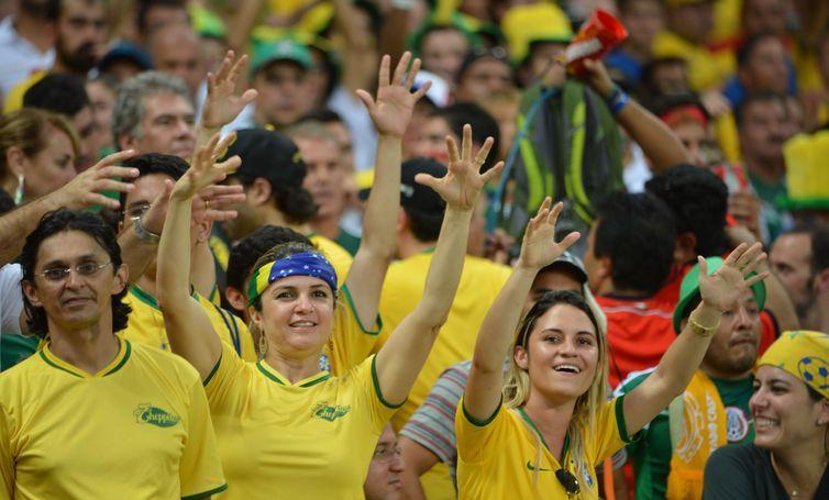 Torcedores vibram com o jogo entre Brasil e Méxicona Arena Castelão em Fortaleza (Marcello Casal Jr/Agência Brasil)