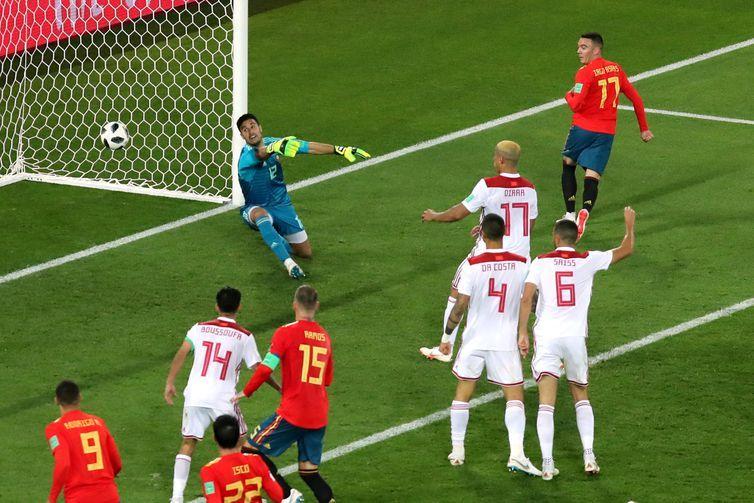 Copa 2018: Espanha e Marrocos. Iago Aspas, da Espanha, marca o segundo gol da equipe.