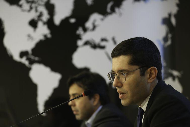 O Ministério da Indústria, Comércio Exterior e Serviços (MDIC) divulga os dados da balança comercial de maio. Na foto, o diretor de estatística e Apoio às exportações da Secretaria de Comércio Exterior (Secex), Herlon Brandão.