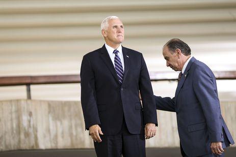 O ministro de Relações Exteriores, Aloysio Nunes, recebe o vice-presidente dos Estados Unidos, Mike Pence, no Palácio do Itamaraty